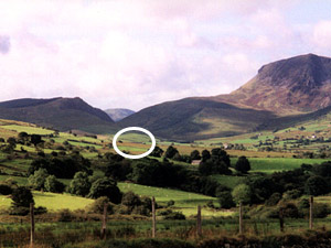 cader idris range near dolgellau with holiday cottage circled